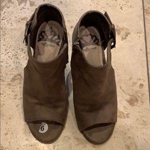 Fergalicious by Fergie brown heels